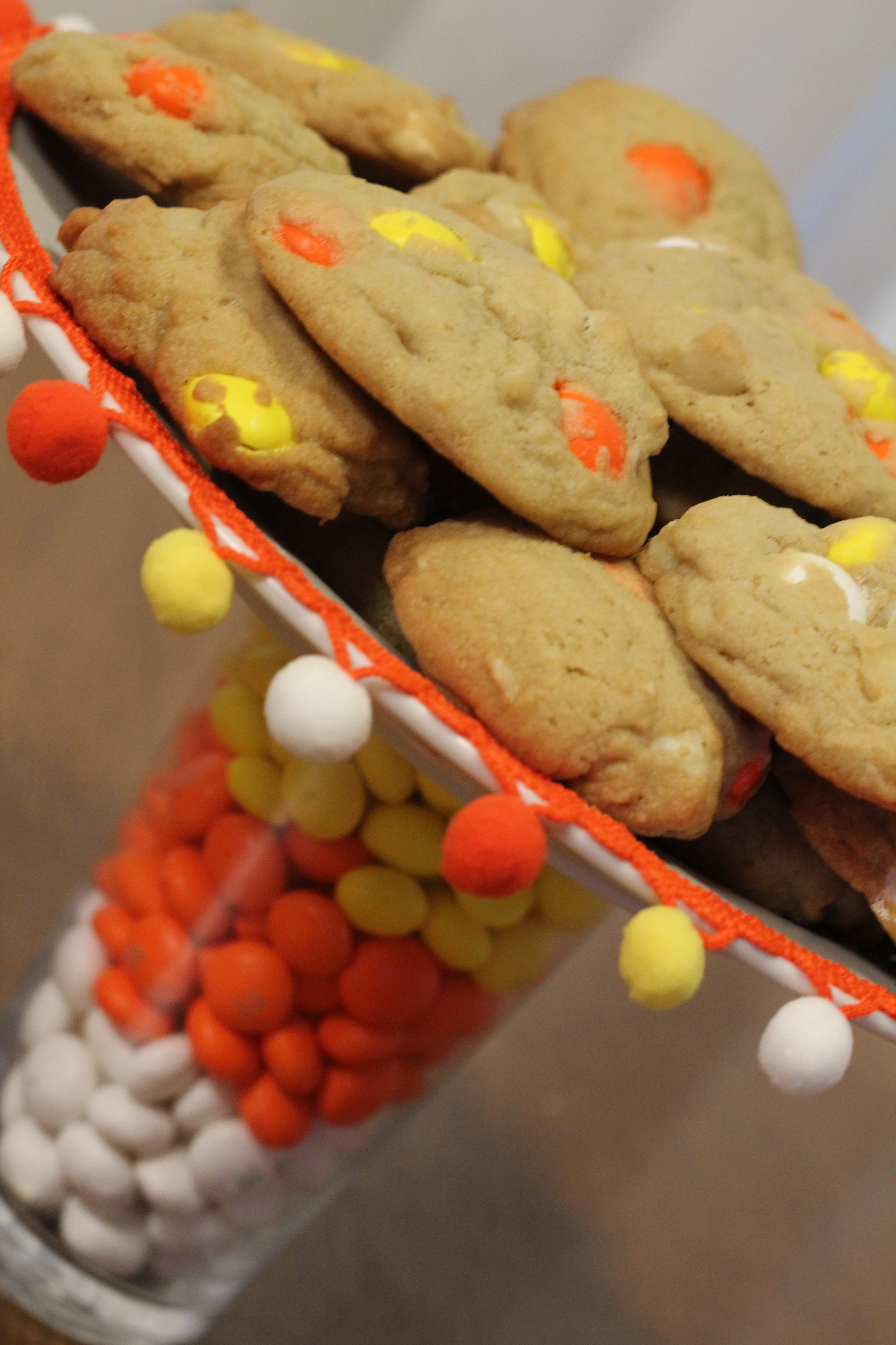 Candy S Colorado Cranker Blog Csm Tools For Cranking: M&M's Candy Corn Cake Plate & Treat Bags #MMsGetCorny