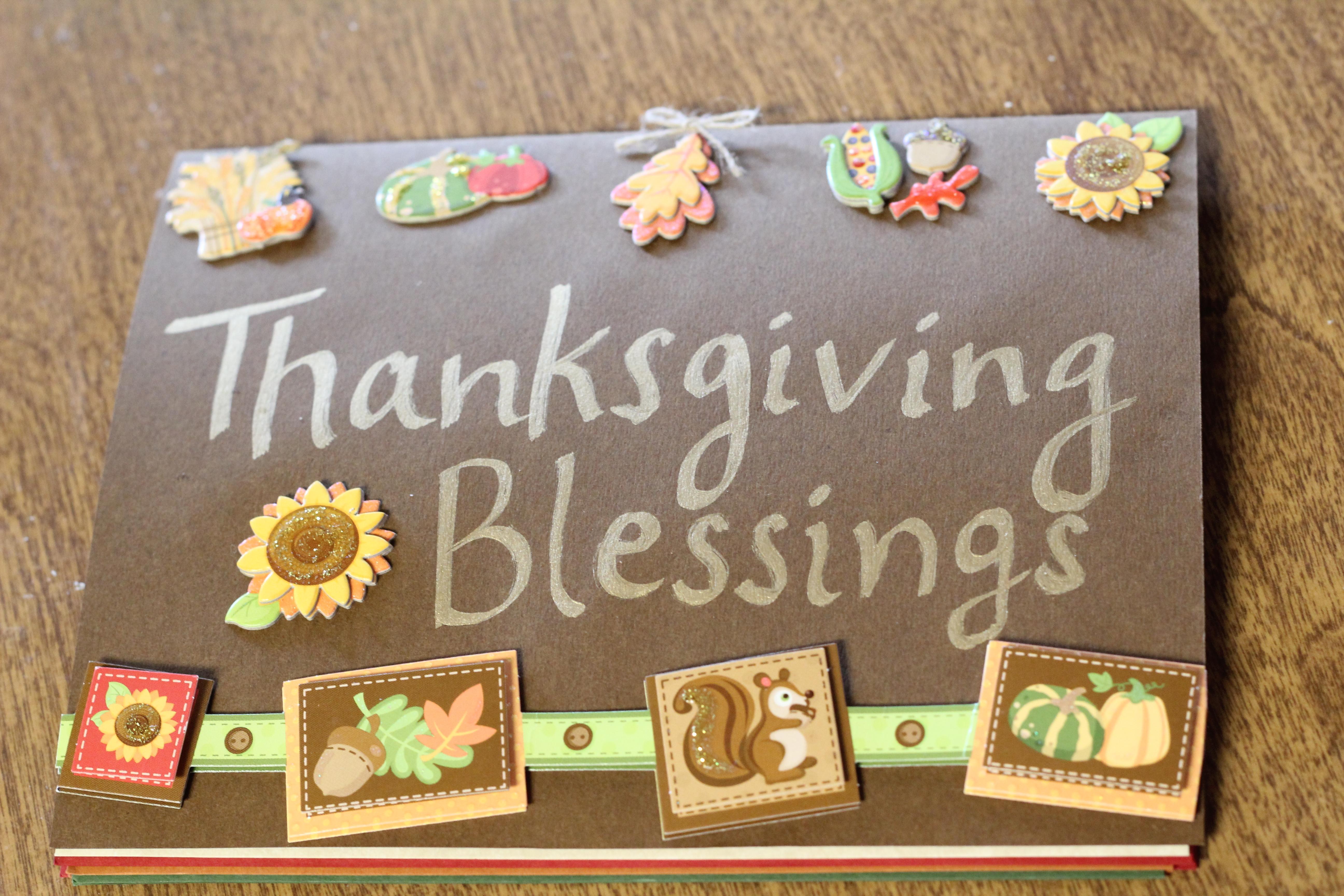 Family Thanksgiving Card with Elmer's #GlueNGlitter