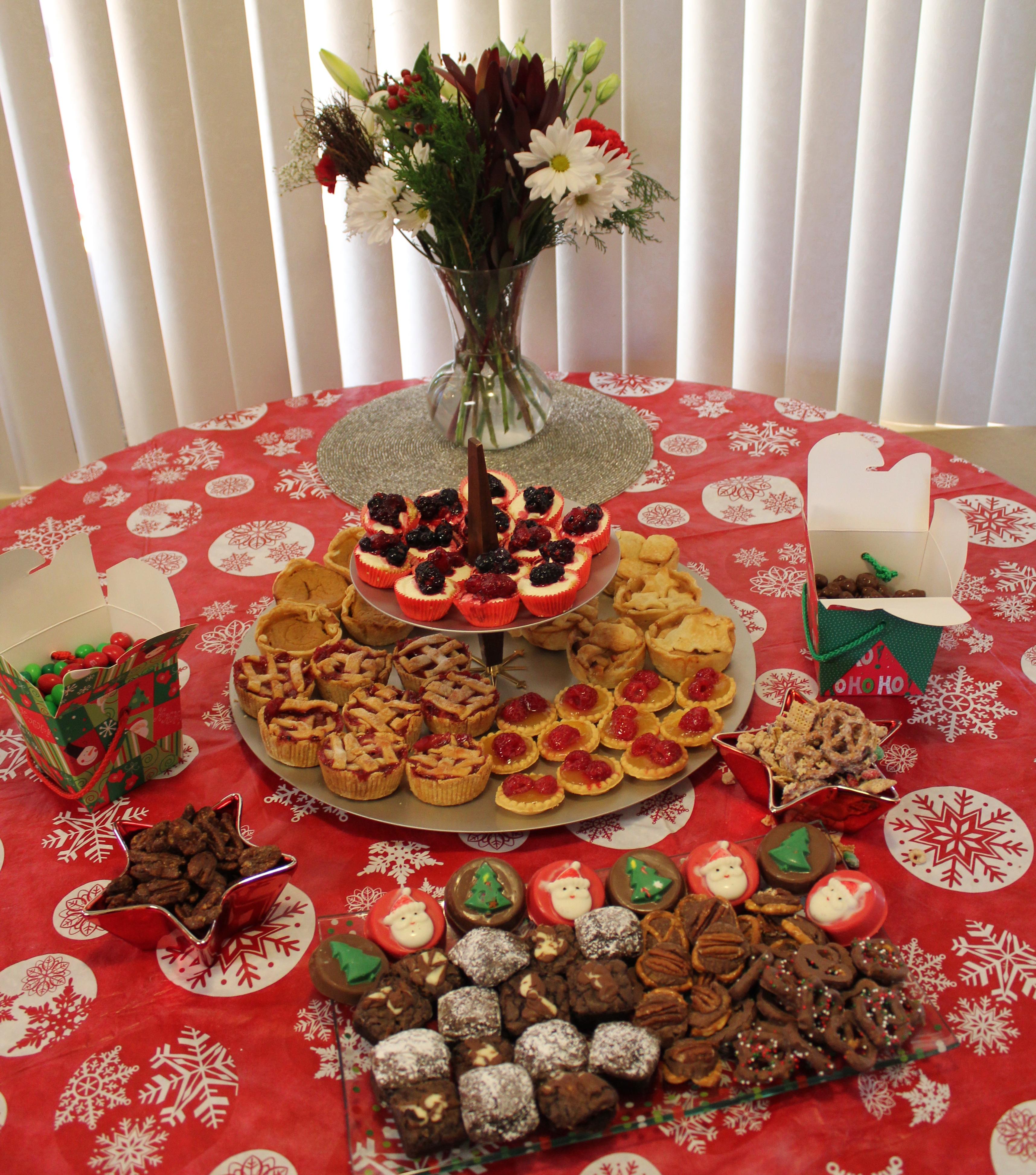 Mini Christmas Desserts Bar