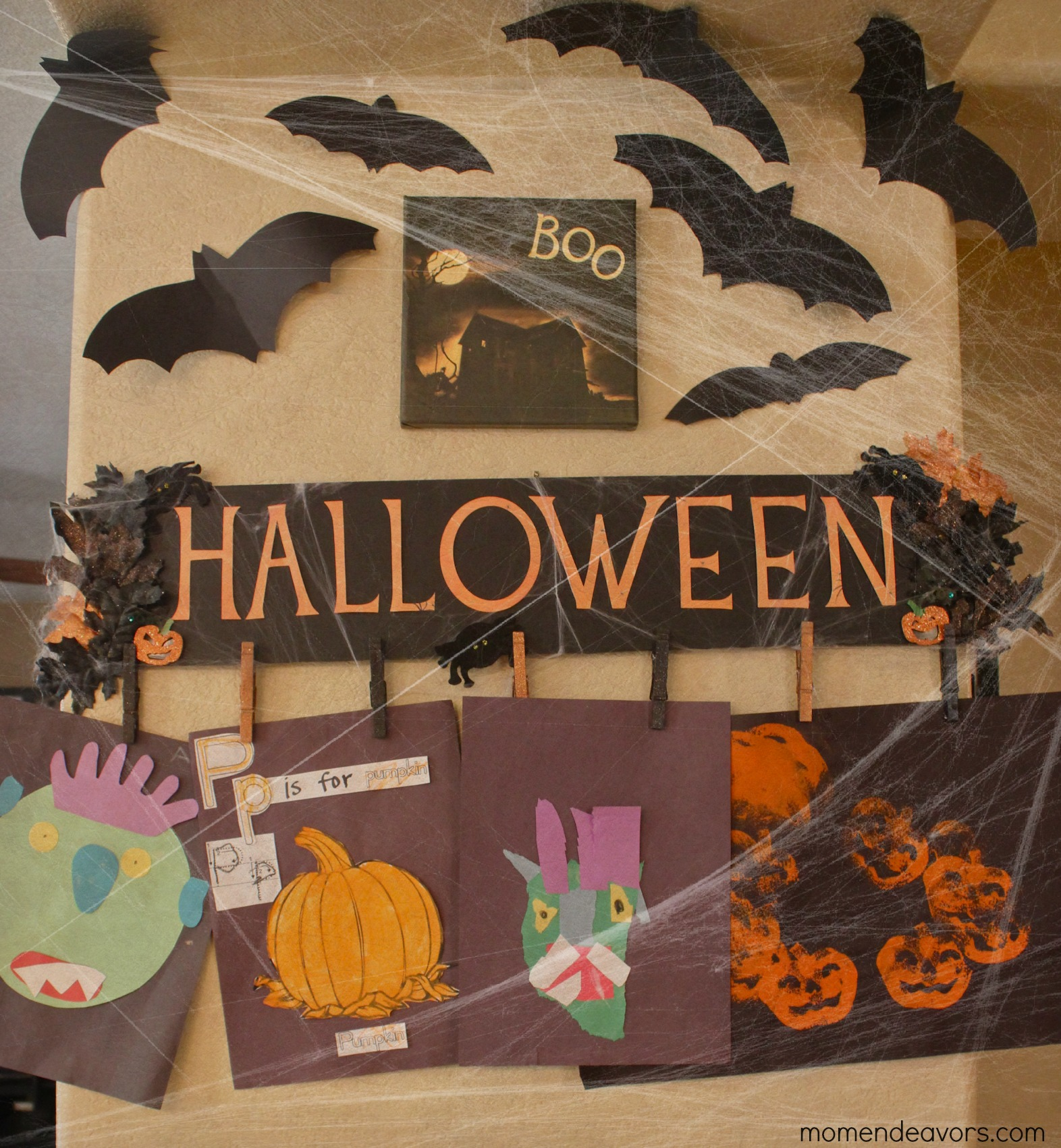 DIY Halloween Sign & Artwork Display