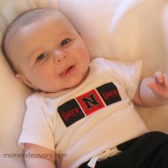 Super easy, no-sew team spirit onesie – Huskers Style {College Football Tailgate Link Party}