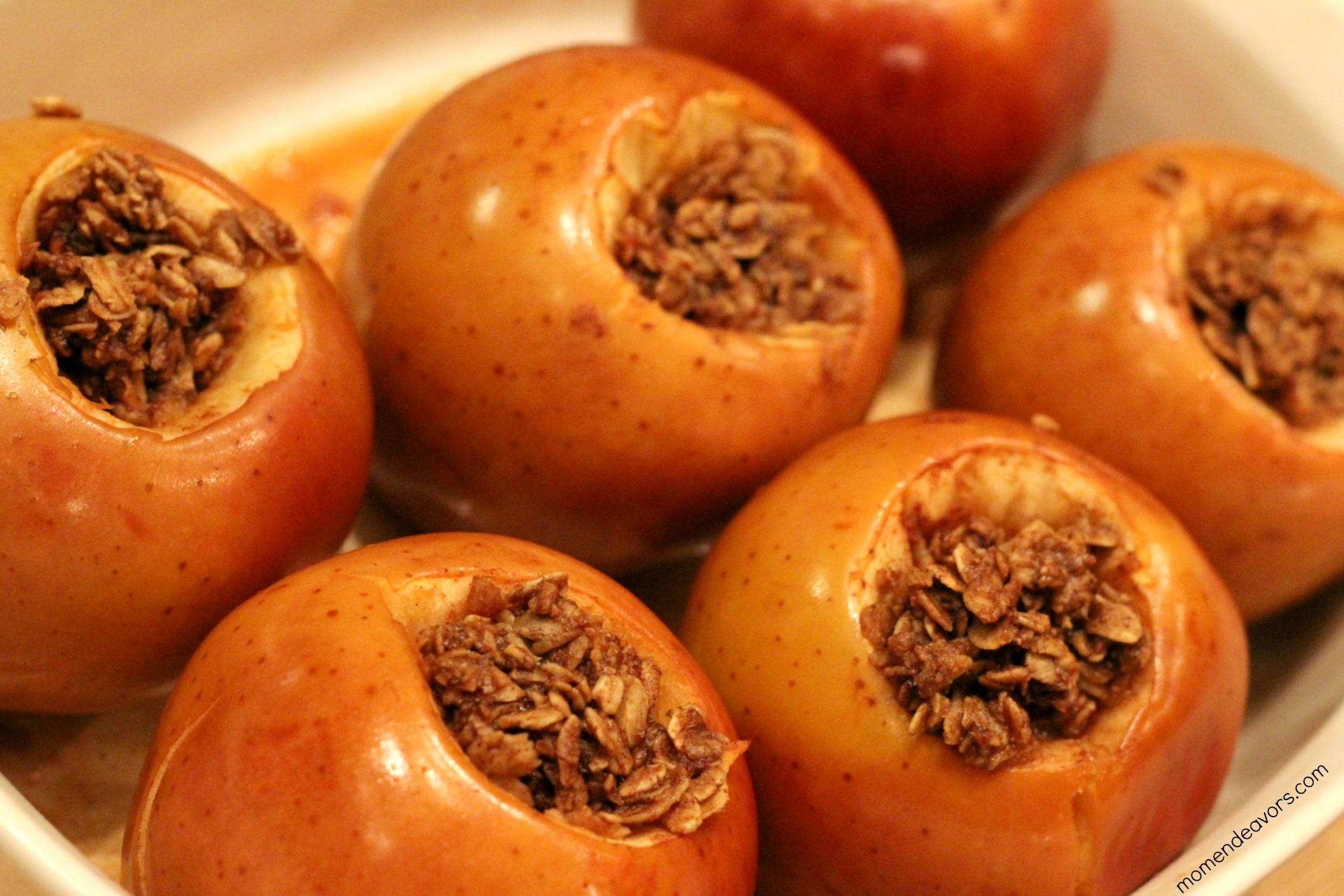 Baked Apples Stuffed With Cinnamon Date Pecan Oatmeal ...