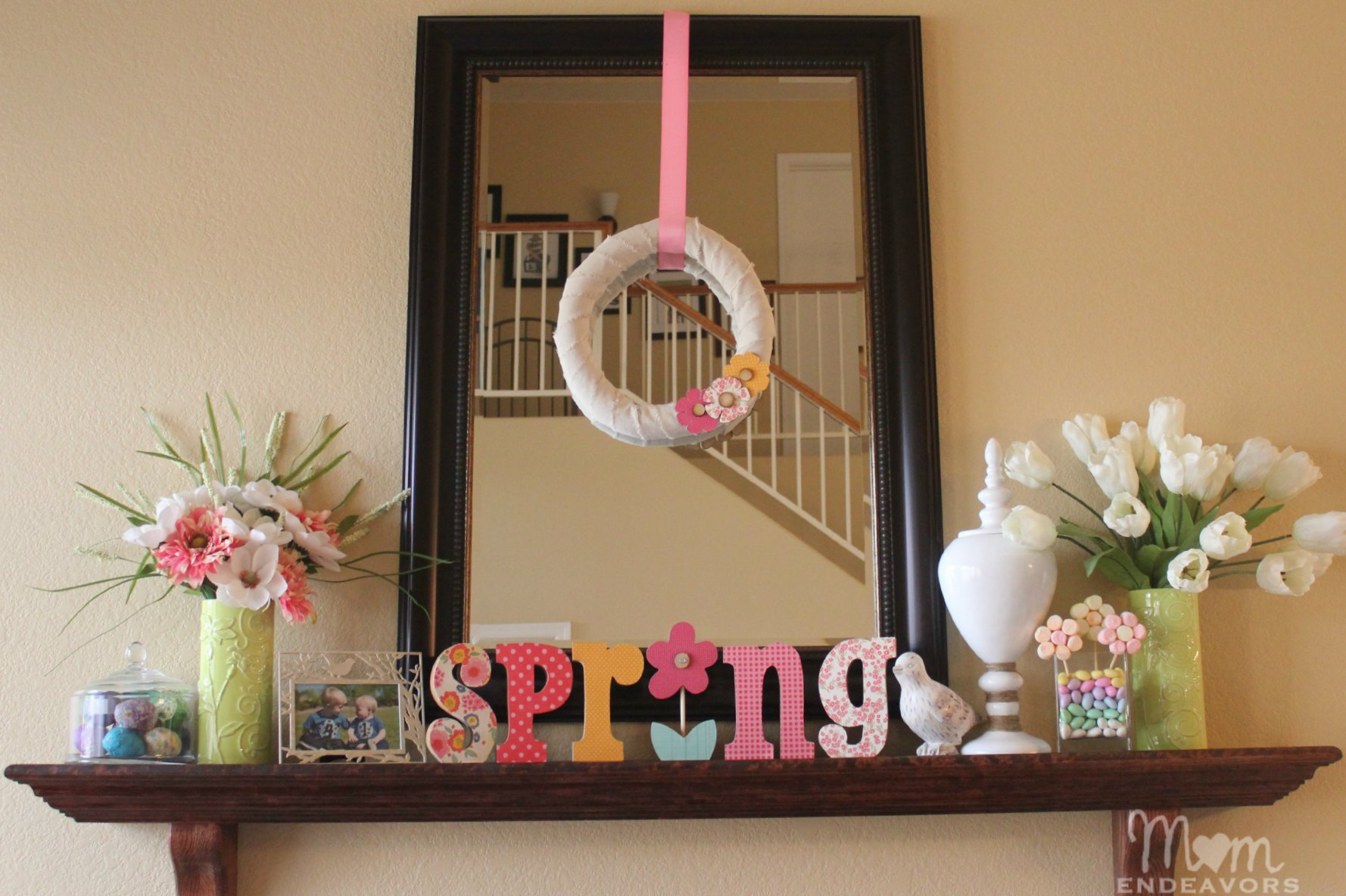 Simple diy spring wreath decor lowescreator for Accessories decoration