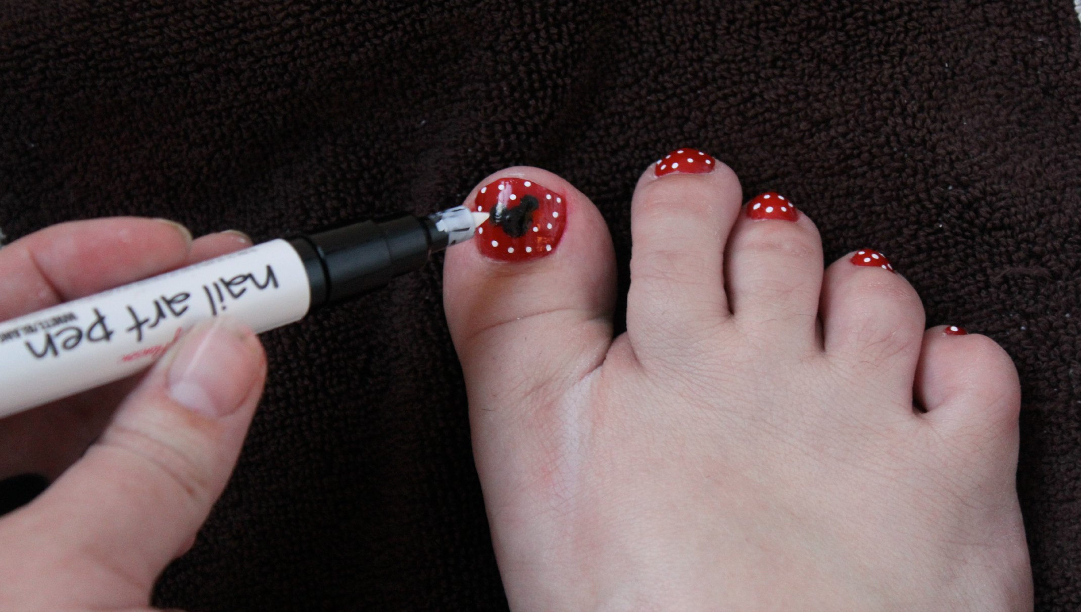 Minnie Mouse Pedicure