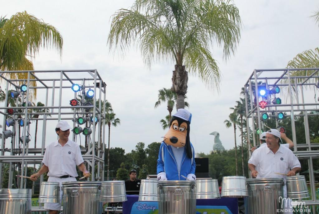 Drummer Goofy