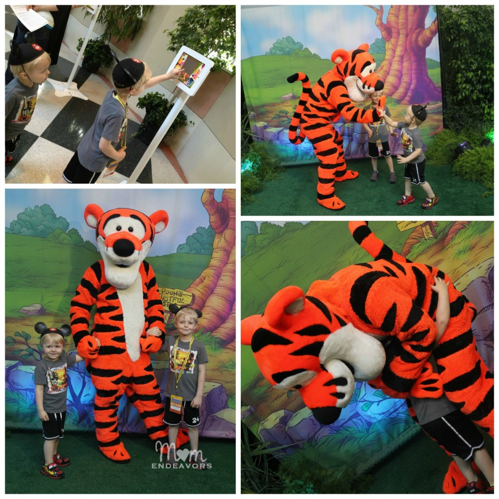 Meeting Tigger #DisneySMMoms
