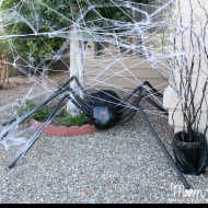 DIY Halloween Yard Decor: Giant Spider in Spiderweb