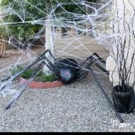 DIY Halloween Yard Decor: Giant Spider in Spiderweb