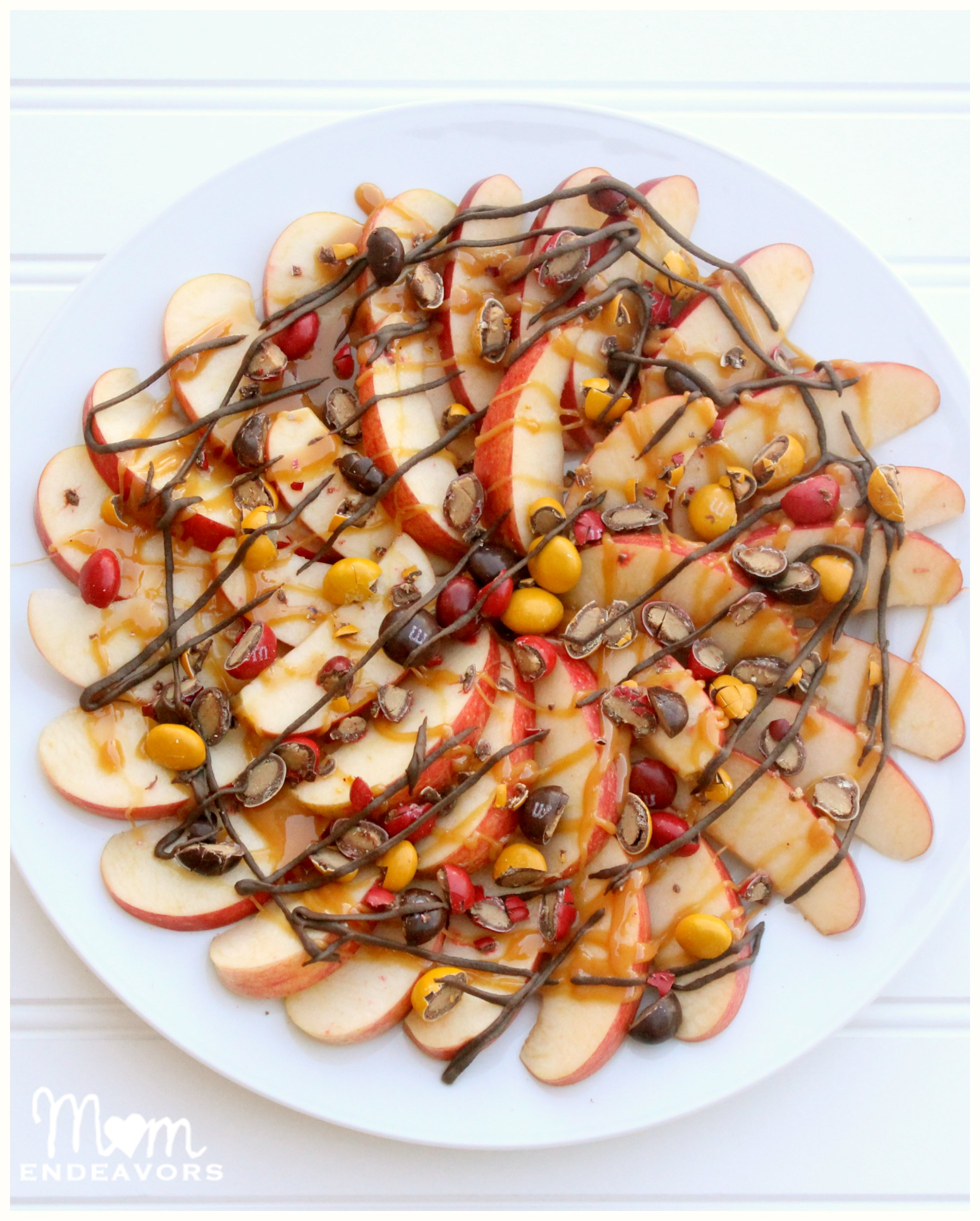 Delicious fall treats caramel apple nachos and apple for What to make with apples for dessert