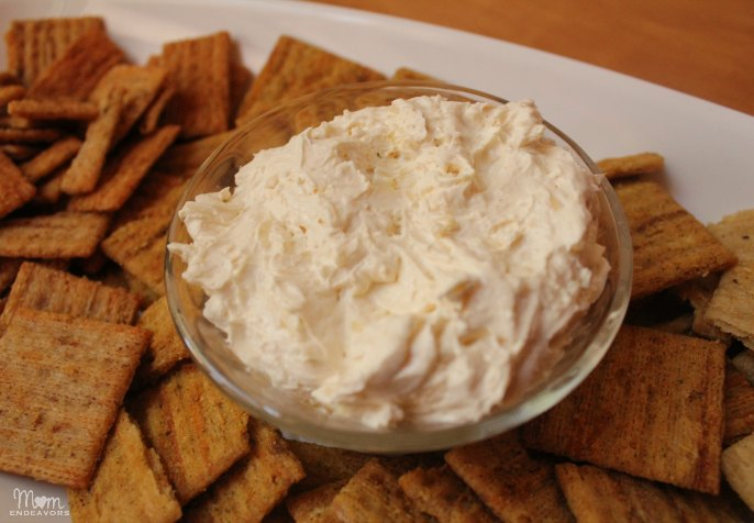 Easy Appetizer: Garlic Parmesan Cheese Dip with Triscuits