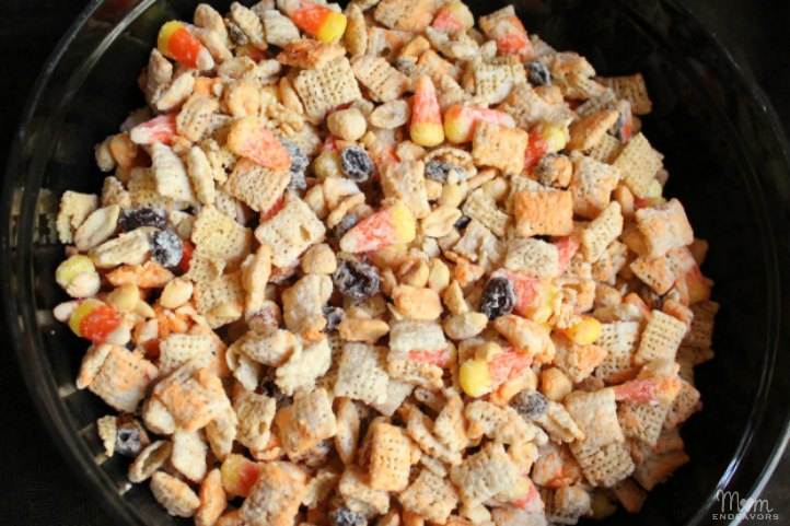Candy Corn & Peanuts Snack Mix