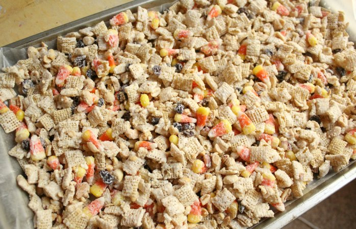 candy corn crack - Christmas Crack Recipe Chex