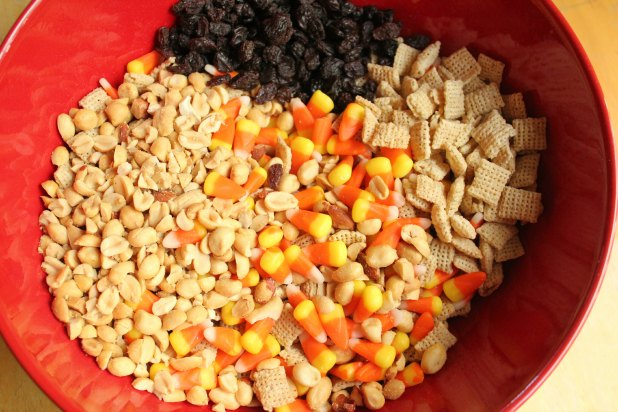 Halloween Candy Corn Snack Mix