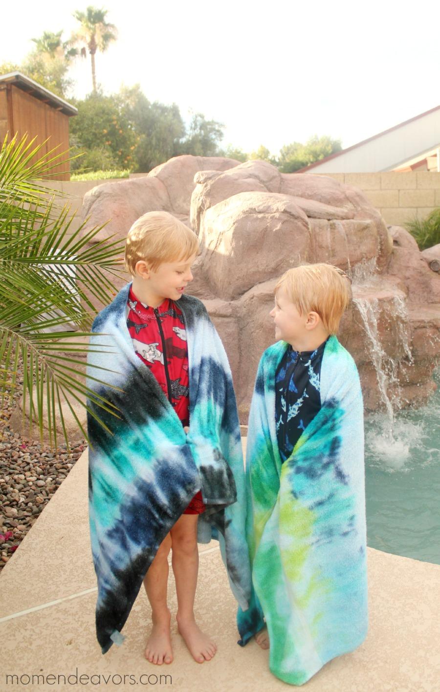 DIY Tie Dye Pool Towels