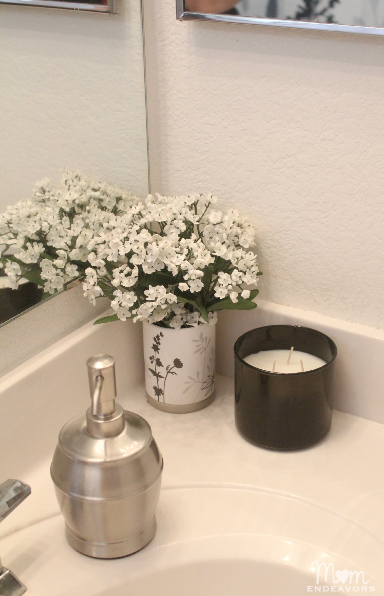 Simple Bathroom decor