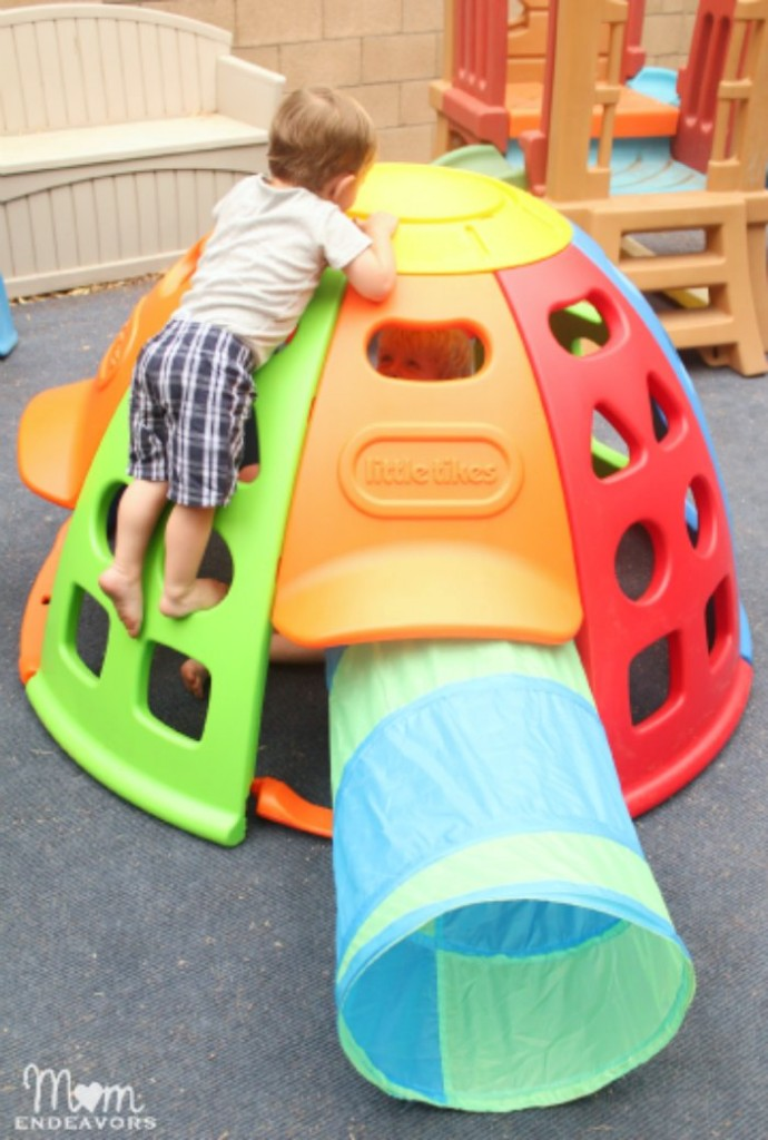 Kid's Play Equipment