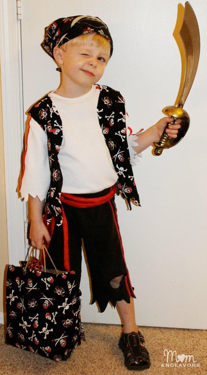 easy diy pirate costume - Halloween Pirate Costume Ideas