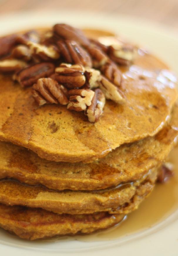 Fall Pumpkin Oatmeal Pancakes