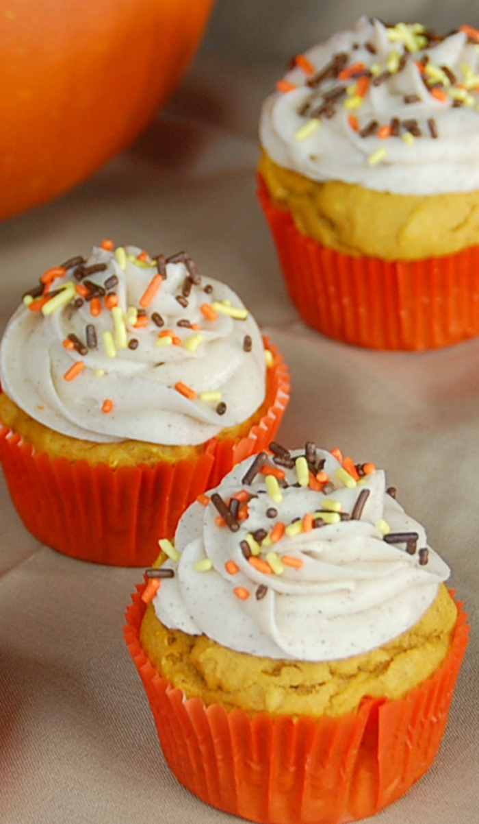 Pumpkin Cinnamon Fall Cupcakes