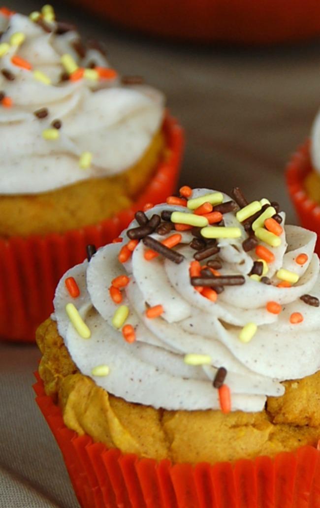 Pumpkin Cinnamon Frosting Cupcakes