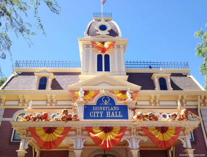 disneyland city hall #halloweentime