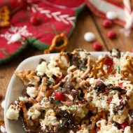Santa's Sweet & Salty Christmas Snack Mix