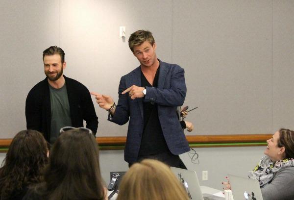 Avengers Hemsworth & Evans