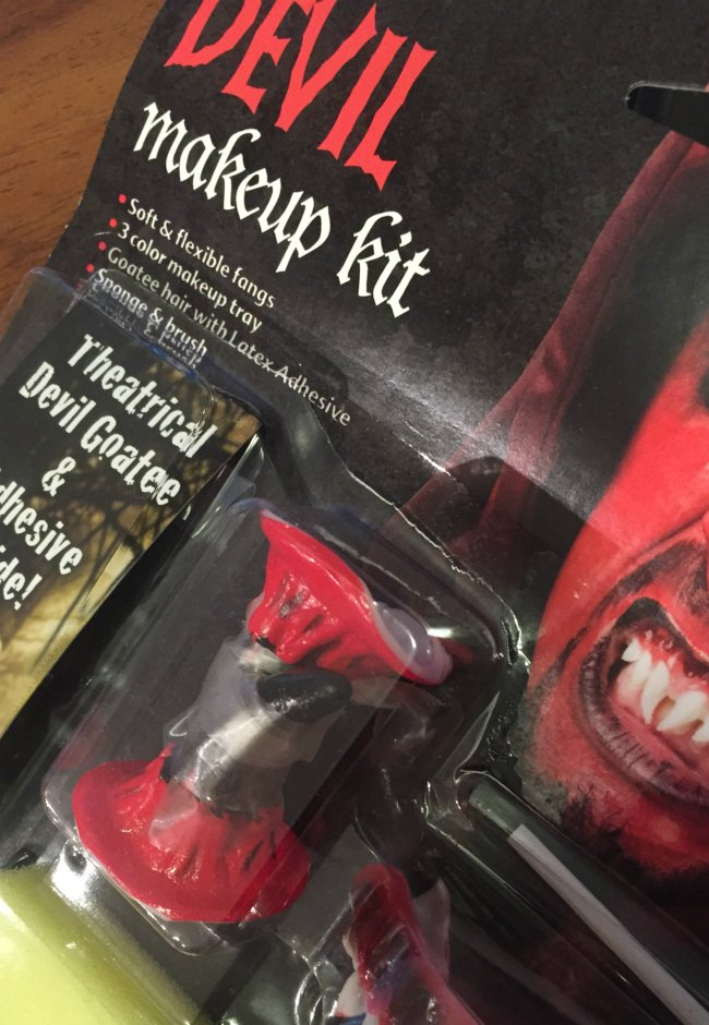 devil-makeup-kit