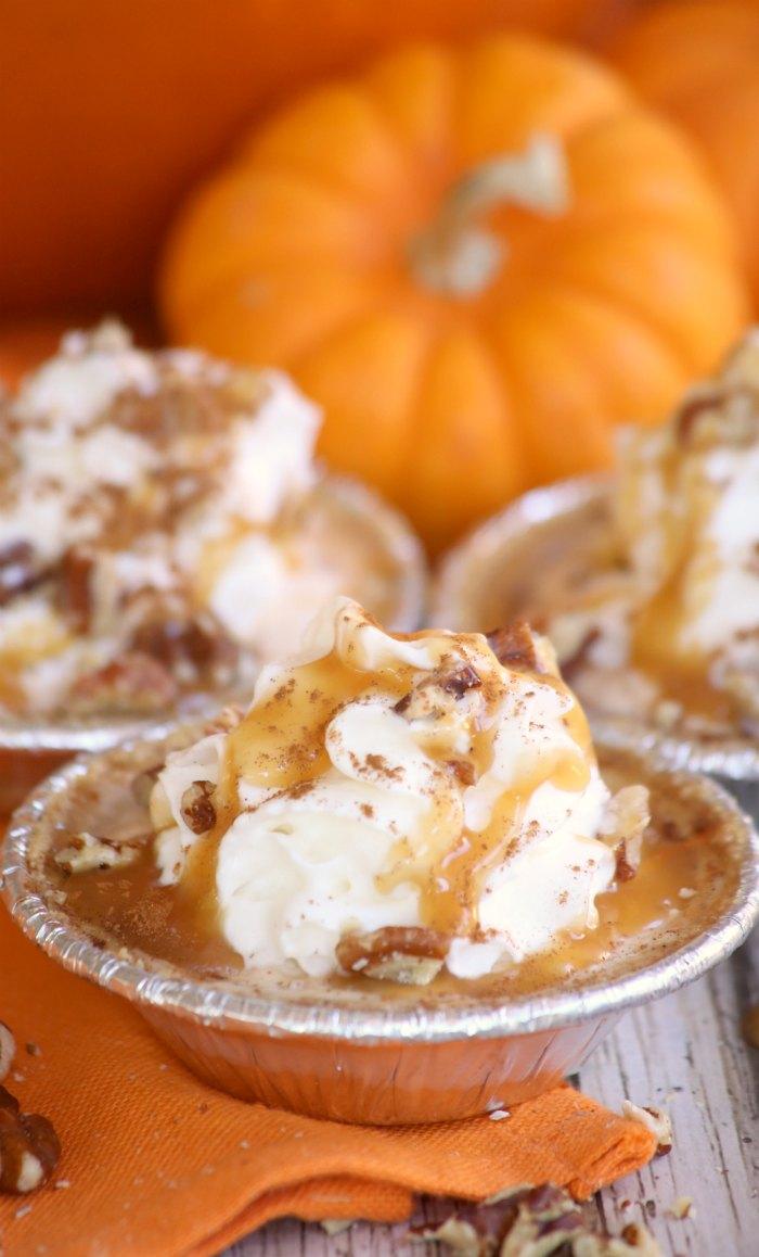 mini-pumpkin-caramel-pies