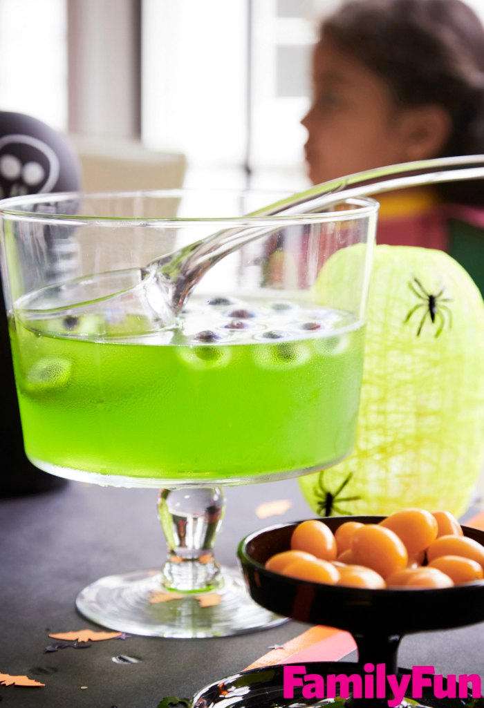 peeper-eyeball-halloween-punch