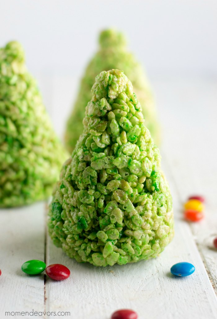 making-christmas-tree-treats