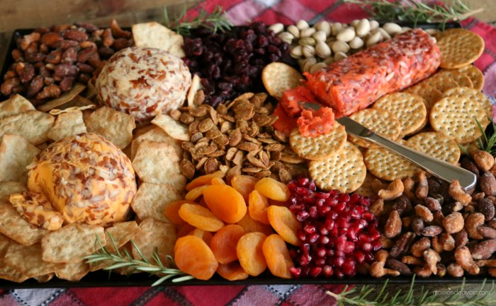 Easy Holiday Cheese Board Appetizer