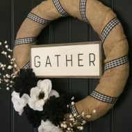 DIY Black & White Farmhouse Wreath