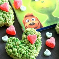 Grinch Heart Krispie Treats (+ Giveaway)