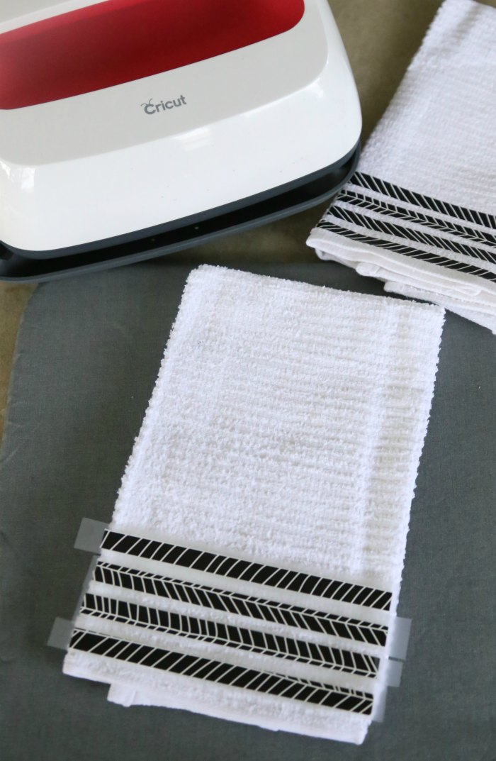 Diy Black & White Kitchen Towels