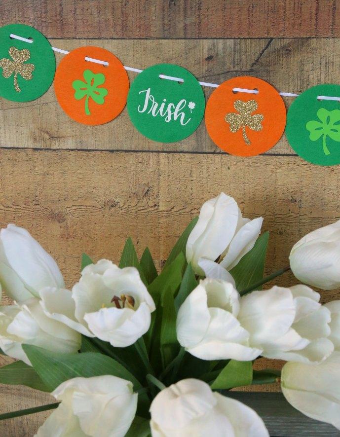 Simple DIY St. Patrick's Banner