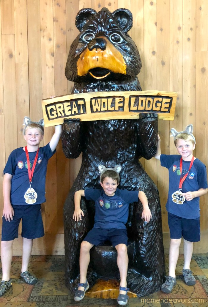 Great Wolf Lodge Bear Statue