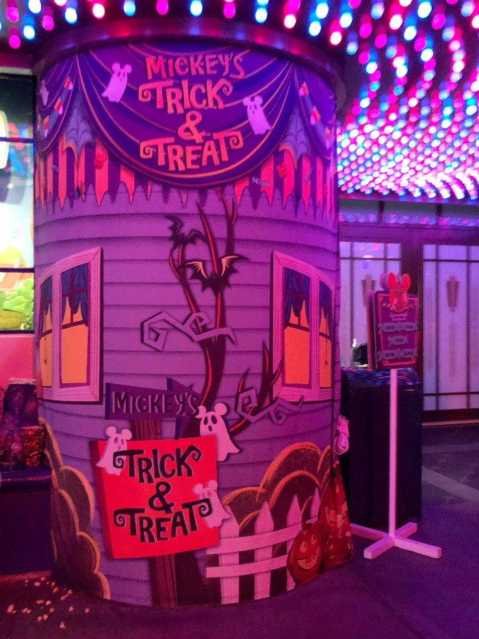 Mickey's Trick & Treat Show Sign