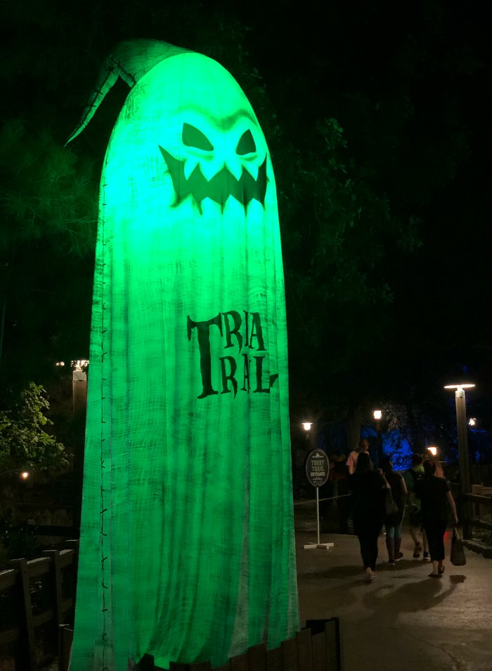 Light Up Oogie Boogie Treat Trail Marker