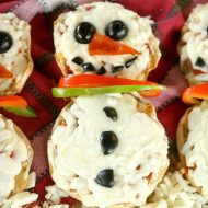 Snowman English Muffin Pizzas